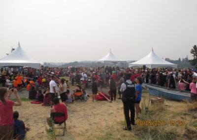 The crowd at Tyee Spit during the official welcoming of the 100 canoe families